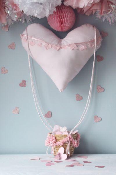 Decoração romântica com balão pode frequentar qualquer ambiente (Foto: icingdesignsonline.blogspot.com.br)