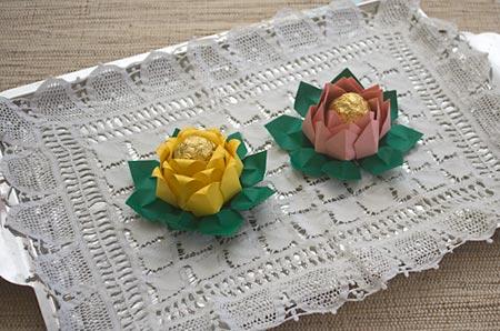 Forminha de docinho de origami é diferente e faz muito sucesso (Foto: vaniartecomamor.blogspot.com.br)