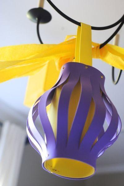 As crianças vão adorar esta lanterna de EVA (Foto: makinglemonadeblog.com)