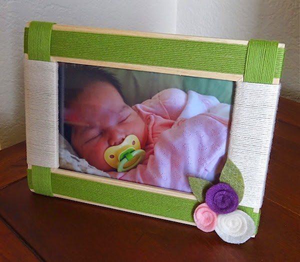 Porta-retrato customizado com linhas pode ter as cores que você quiser (Foto: twinkleandtwine.com)