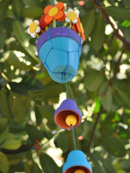 Sino de vento decorativo é divertido e alegre e agrada até os passarinhos (Foto: hgtvgardens.com)