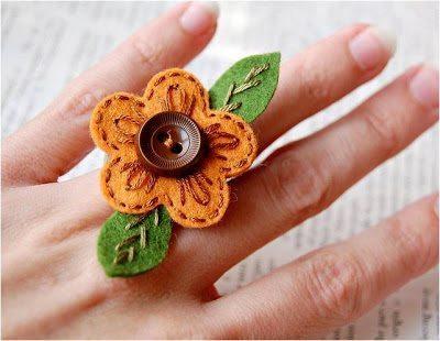 Invista em alguma das muitas ideias lindas de artesanato com feltro (Foto: amarnaartesanatoeimagens.blogspot.com.br)
