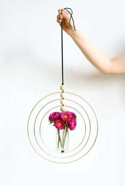 Este artesanato com tubos de plástico sempre faz muito sucesso (Foto: blitsy.com)