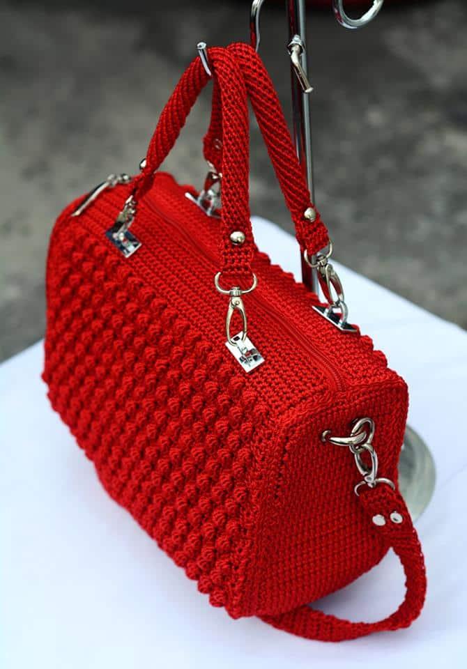 bolsas vermelhas em croche