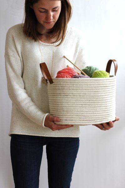 Cesto de cordas com alças é versátil e lindo (Foto: aliceandlois.com)