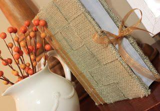 Capa rústica para livro pode ser usada em qualquer peça, até mesmo em um caderno (Foto: crazywego.blogspot.com.br)