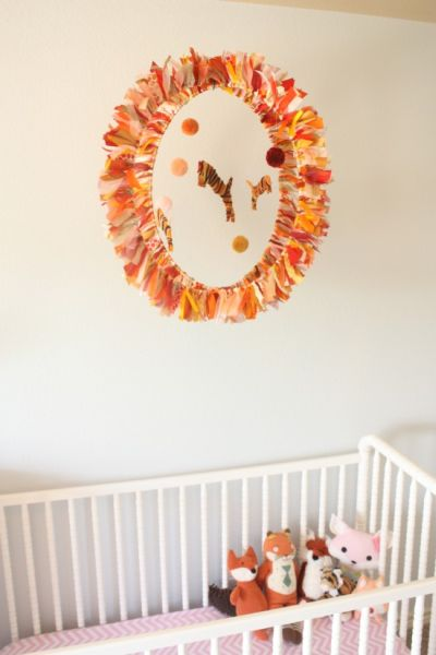 Móbile infantil com fitas e linhas pode ter o estilo que você quiser (Foto: modelbehaviors.com)