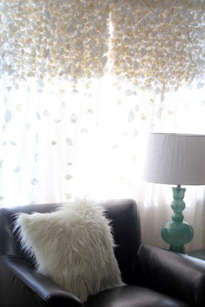 Ganhe um dinheiro extra fazendo esta cortina decorada por encomenda para os conhecidos (Foto: kojo-designs.com)