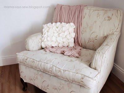 Decorar uma almofada com feltro é fácil e a sua casa vai ficar linda (Foto: mama-says-sew.blogspot.jp)