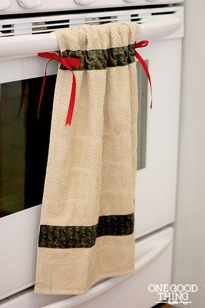 Esta ideia com toalha de mão para cozinha decora, além de ser funcional (Foto: onegoodthingbyjillee.com)