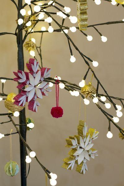 Este enfeite de papel para árvore de Natal pode ter a cor ou a estampa que você desejar (Foto: erynwithay.typepad.com)