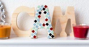 As ideias para fazer artesanatos com mosaico podem estar presentes em vários locais (Foto: craftionary.net)