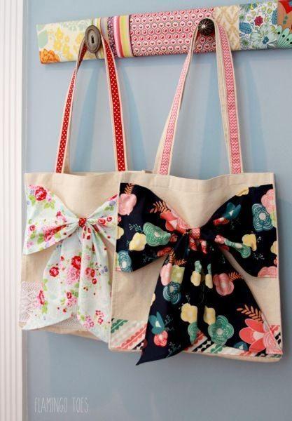 Esta ideia moderna para decorar uma ecobag pode tranquilamente ter o seu estilo próprio (Foto: flamingotoes.com)