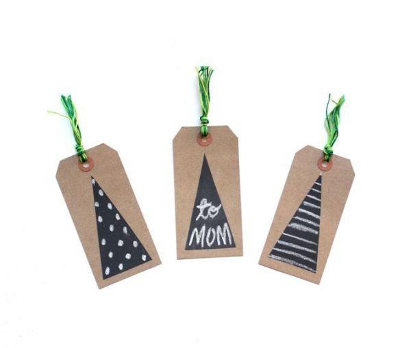 Faça ao menos uma das muitas ideias de tags de Natal simples e baratas (Foto: letswrapstuff.com)