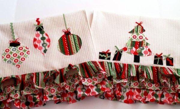 Este fofo pano de prato decorado para o Natal vai fazer o maior sucesso em sua casa (Foto: flamingotoes.com)