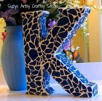 Artesanato com pedaços de azulejos pode ter os azulejos que você desejar (Foto: suzyssitcom.com)