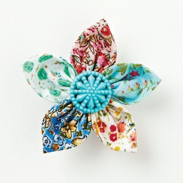 Esta flor de fuxico pode ter o detalhe que você desejar (Foto: molliemakes.com)