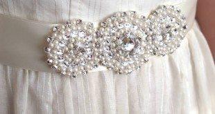Este sofisticado cinto de pedrarias pode ter o estilo e a cor que você desejar (Foto: crafts.tutsplus.com)