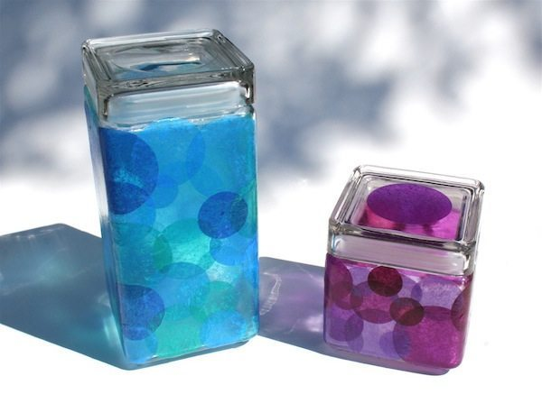 Artesanato com papel de seda e vidro é lindo, mas barato e fácil de ser feito (Foto: modpodgerocksblog.com)