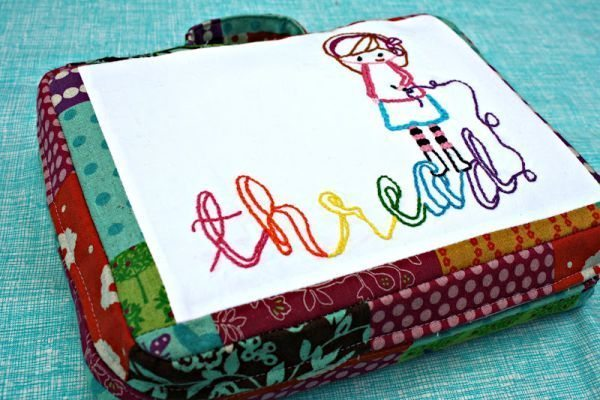 Bolsa organizadora de costura é linda e útil (Foto: sewsweetness.com)