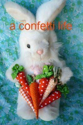 Faça muitas desta cenoura de tecido, o sucesso será garantido (Foto: clarescraftroom.blogspot.com.br)