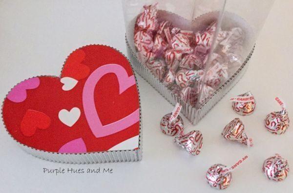Faça muitos deste coração porta-trecos de garrafa pet e venda-os, para conseguir um dinheiro extra (Foto: plumperfectandme.com)