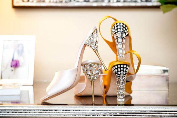 Você também pode ganhar um dinheiro extra decorando salto de sapato (Foto: honestlywtf.com)