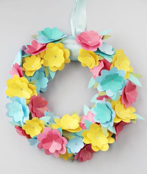 Invista pesado nesta fofa guirlanda de flores (Foto: gatheringbeauty.com)