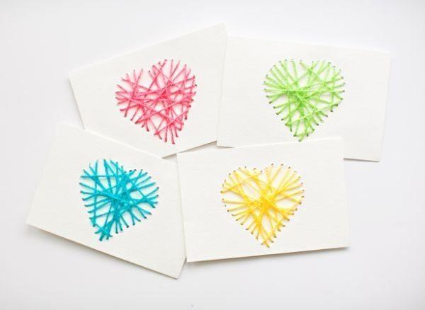 Cartão decorado com linha é lindo e fácil de ser conseguido (Foto: hellowonderful.co)