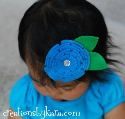 Este enfeite de cabelo com feltro é fofo e todos gostam (Foto: creationsbykara.com)