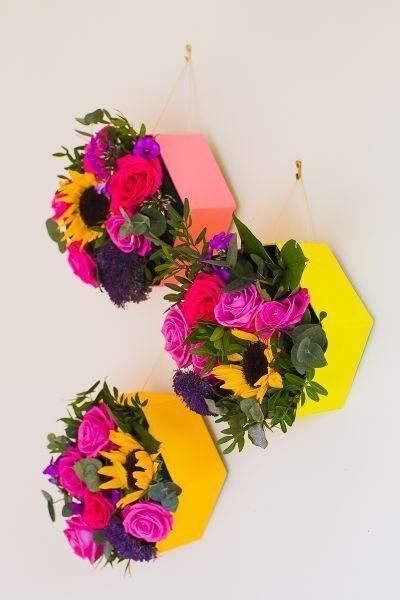 Nichos decorativos com flores são lindos e decoram com primor (Foto: bespoke-bride.com)