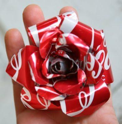 Aposte sem medos em rosa feita de latinha (Foto: alpinebutterfly.blogspot.com.br)