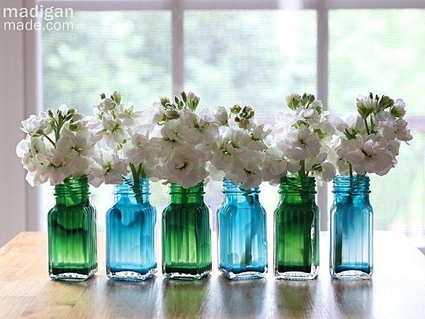 Artesanato com saleiros de vidro é lindo e fácil (Foto: madiganmade.com)