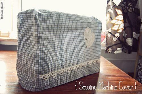 Capa de tecido para máquina protege e também decora (Foto: niftythriftythings.com)