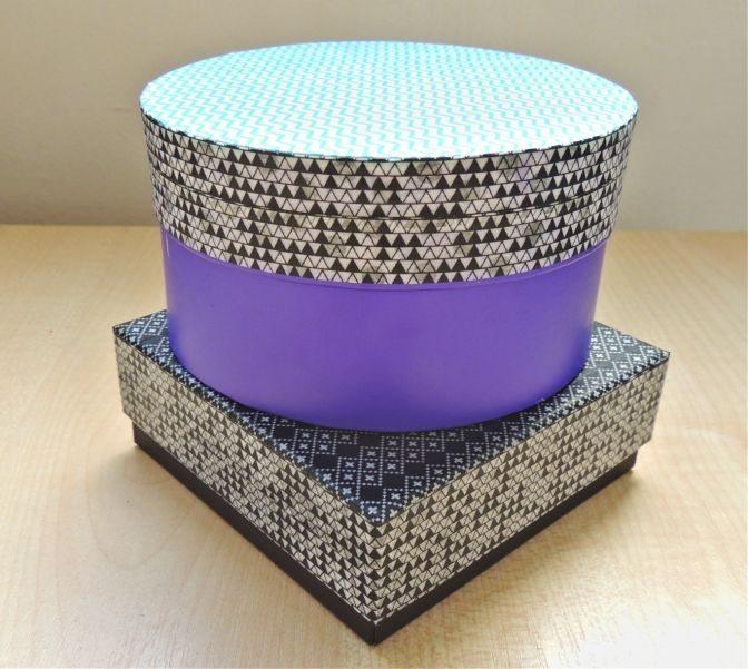 Decorar caixa com fita colorida é muito fácil (Foto: crafternooncabaretclub.com)