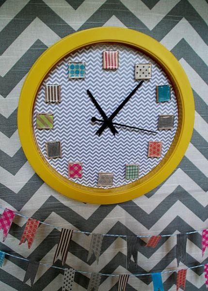 Decoração para relógio de parede pode ter vários estilos (Foto: tatertotsandjello.com)