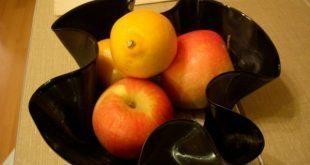 Fruteira feita de disco de vinil é linda e sustentável (Foto: offbeatbride.com)
