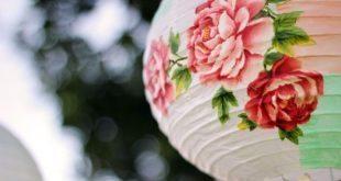 A lanterna de papel decorada pode também ter outros estilos (Foto: greenweddingshoes.com)