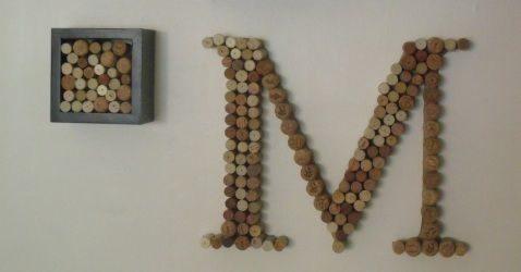 Letras decoradas com rolhas decoram com maestria qualquer ambiente (Foto: frenchweddingstyle.com)