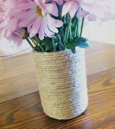 Vaso decorado com sisal é barato, mas lindo (Foto: theuncoordinatedmommy.com)