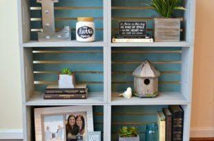 Estante de caixote é barata e interessante (Foto: oneartsymama.com)