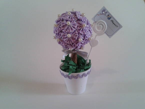topiaria de flores de fuxico