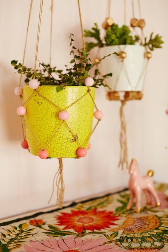 Vasinho decorado com Macramê