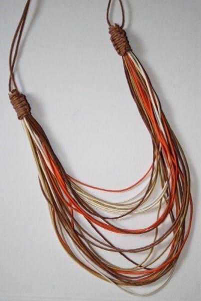 Cordão de macrame com fio fino