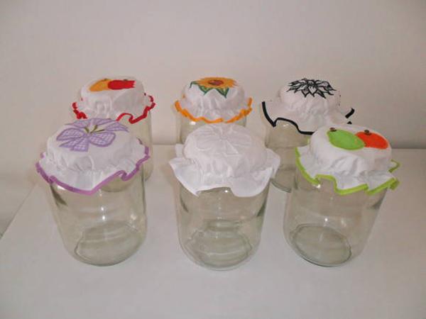 25 Ideias de Artesanato com Potes de Vidro e Tecido  -> Decorar Potes De Vidro Com Tecido