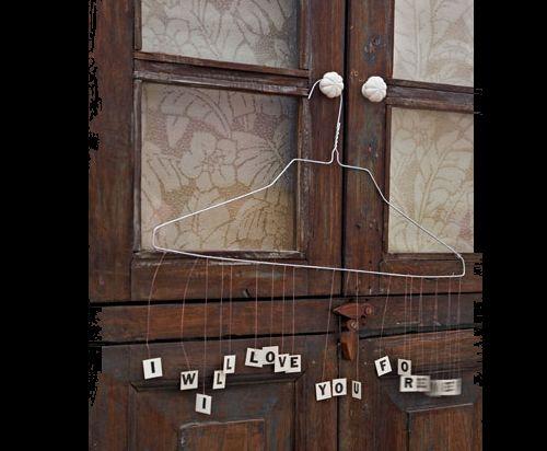Dicas de Artesanatos Feitos com Cabides Velhos