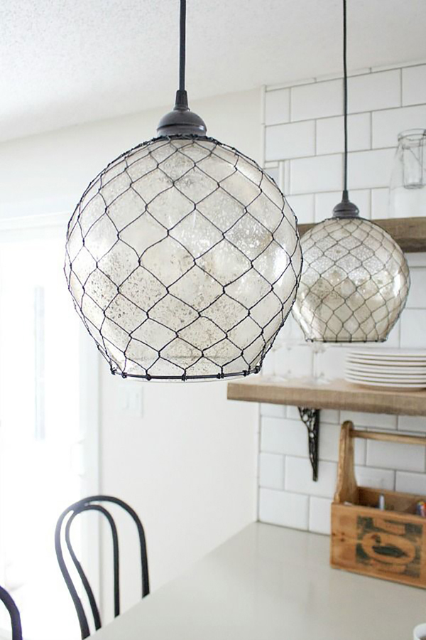 14 ideias de artesanato com tela de galinheiro for Lampe bord de mer