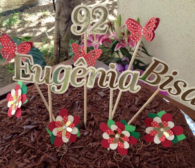 Topo de Bolo com nome e flores