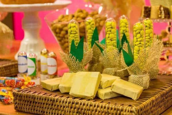 decoração-de-festa-junina-suporte-vime
