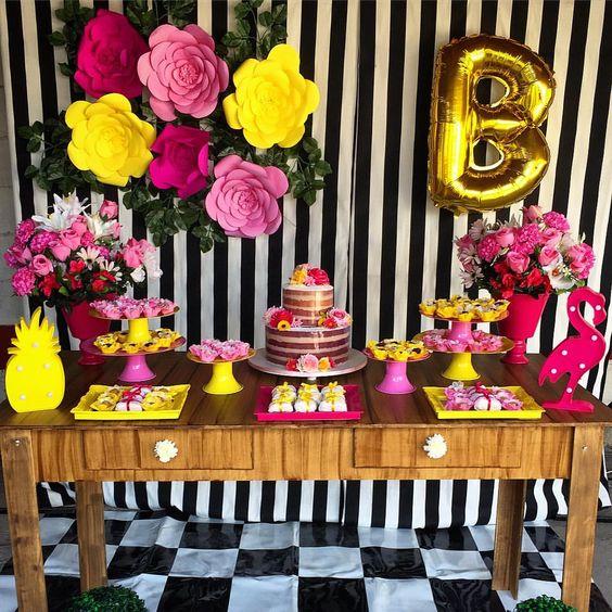 Flores de papel passo a passo, decoraç u00e3o, modelos Artesanato Passo a Passo! -> Decoração De Flores De Papel Para Aniversario